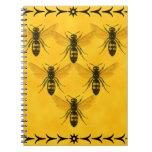 Ame el insecto: Escuadrilla de la chaqueta amarill Libro De Apuntes