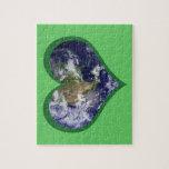 Ame el rompecabezas (verde) de la tierra