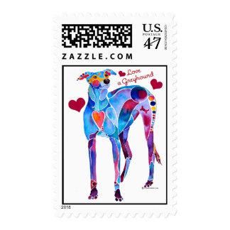 Ame las camisetas de un galgo y las cubiertas del timbre postal
