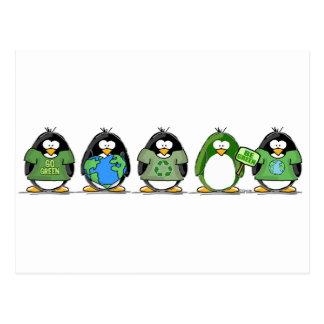 Ame los pingüinos de la tierra tarjeta postal