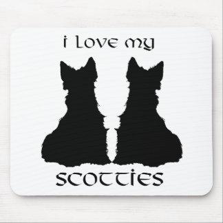 Ame mi silueta de los escoceses alfombrillas de ratón