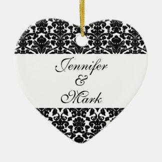 Ame para siempre la forma blanca negra de encargo adorno navideño de cerámica en forma de corazón