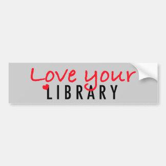 Ame su biblioteca pegatina de parachoque