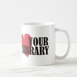 Ame su biblioteca taza clásica