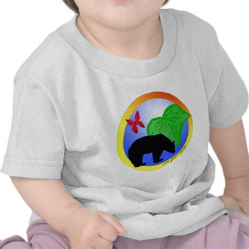 Ame su oso y mariposa de la tierra camiseta