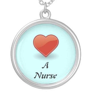 Ame un collar de la enfermera