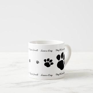 Ame un perro taza de espresso