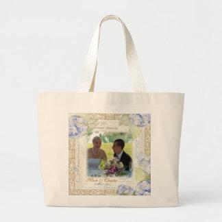 Ame y acaricie el boda floral del Hydrangea azul Bolsa Tela Grande