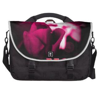 Ámele diseño del rosa rojo de la mamá bolsas de portatil