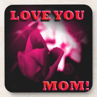 Ámele diseño del rosa rojo de la mamá posavaso