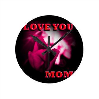 Ámele diseño del rosa rojo de la mamá relojes