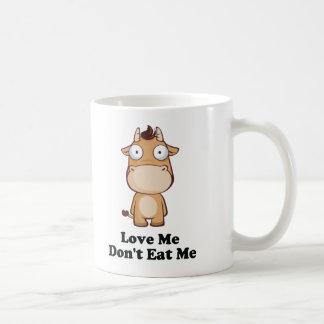 Ámeme no me comen diseño de la vaca tazas