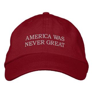 """""""América nunca era gran"""" gorra - rojo Gorros Bordados"""
