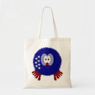 América protagoniza el bolso de Pom Pom PAL