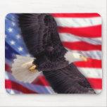 American Eagle con la bandera americana Mousepad Alfombrillas De Ratón
