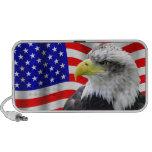 American Eagle y altavoz patriótico de la bandera