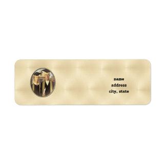American Gothic Graduation Cameo on Gold Sheen Return Address Label