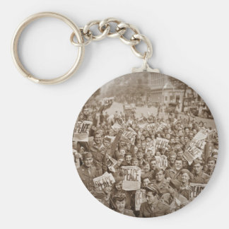 American Soldiers on  VJ Day Keychain