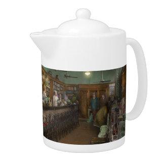 Americana - Soda - The people's soda fountain 1928 Teapot