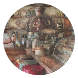 Americana - Store - Looking after the shop Dinner Plate