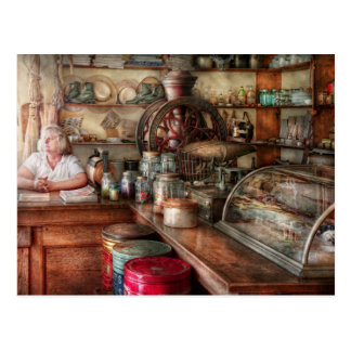 Americana - Store - Looking after the shop Postcard