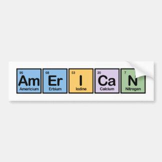 Americano hecho de elementos pegatina para auto