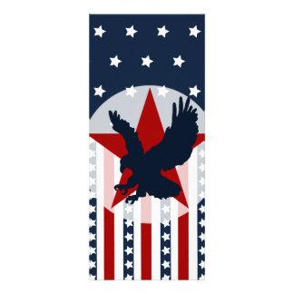 Americano patriótico de Eagle calvo de las barras Invitaciones Personales