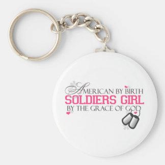 Americano por nacimiento - chica de los soldados llavero redondo tipo pin