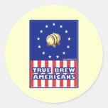 Americanos verdaderos del vino del Brew Pegatina Redonda