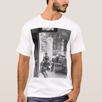 Americans of Japanese descent_War Image T-Shirt