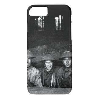 Ametralladora puesta en imagen shop_War del Funda iPhone 7