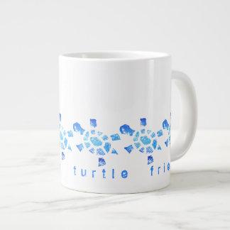 Amigo de la tortuga del agua azul taza extra grande