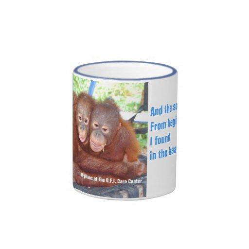 Amigos animales del bebé: una muchedumbre de 3 no taza de dos colores