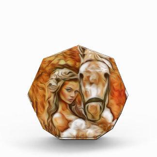 Amigos chica y caballo