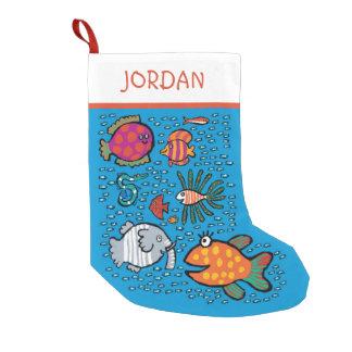 Amigos coloridos de los pescados bota navideña pequeña