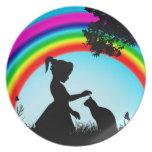 Amigos debajo del arco iris plato para fiesta