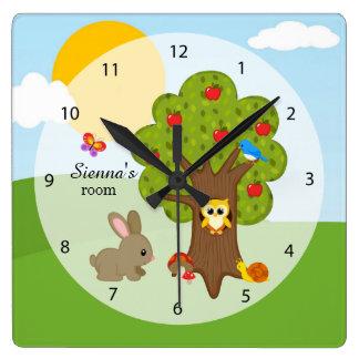 Amigos del bosque reloj cuadrado