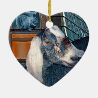 Amigos fantasía linda de la cabra del Victorian y Adorno De Cerámica En Forma De Corazón