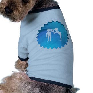 Amigos que comparten un secreto camiseta con mangas para perro