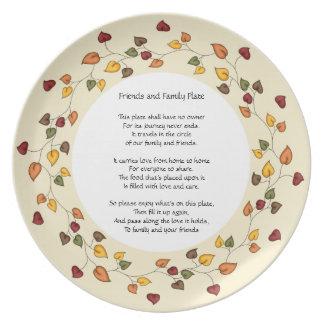 Amigos y placa de la familia platos para fiestas