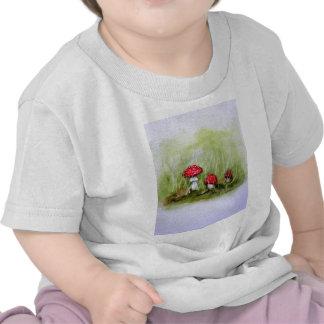 Aminita Muscaria mushroom T-shirts