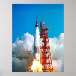 Amistad 7 (lanzamiento del atlas de Mercury 6) Póster