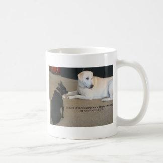 Amistad del perro taza clásica