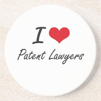 Amo a abogados especializados en derecho de posavasos para bebidas