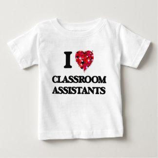 Amo a ayudantes de la sala de clase playera