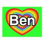 Amo a Ben: corazón del arco iris Postal