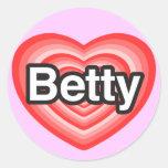 Amo a Betty. Te amo Betty. Corazón Pegatina Redonda