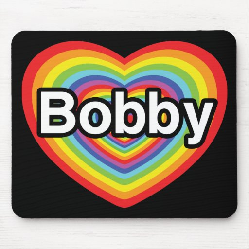 Amo a Bobby: corazón del arco iris Tapetes De Ratón