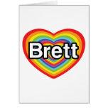 Amo a Brett: corazón del arco iris Tarjetón