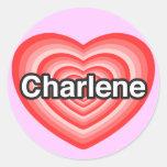 Amo a Charlene. Te amo Charlene. Corazón Pegatina Redonda